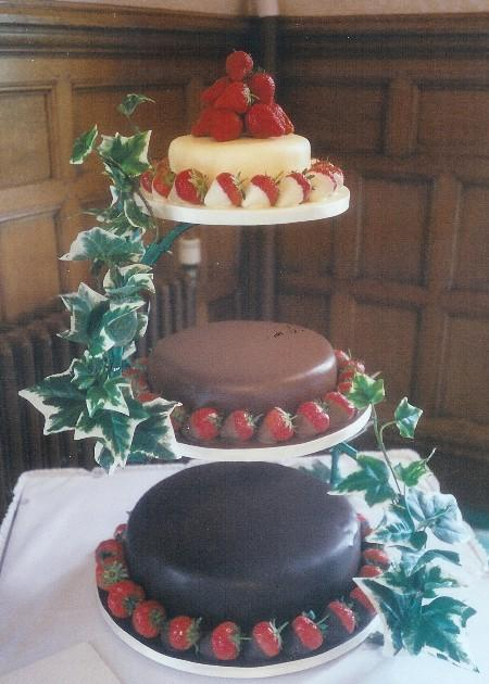 Strawberry Chocolate Wedding Cake  Ref CW101