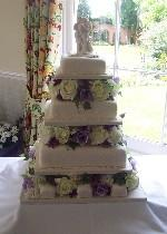 Wedding cake with mini cakes  Ref IC005