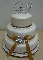 Diamante and pearl cake Ref  IC112