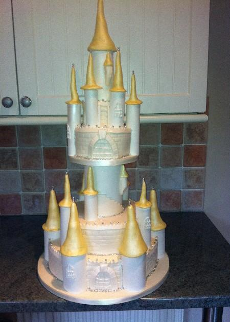 Fairytale Castle Wedding Cake  SD047