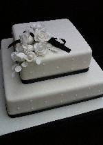 Two tier black and white cake ref IC130